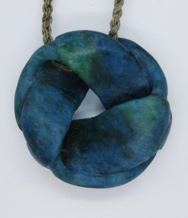 twist, knot, moebius, aotea, necklace,