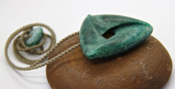 green moebius, stone necklace, aotea
