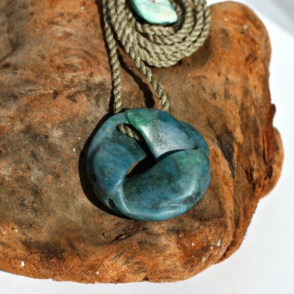 moebius, aotea, necklace, intricate,