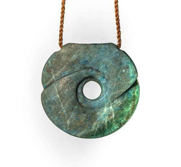 Aotea, pounamu, jade, gemstone, stone pendant, necklace, nz, hand made, maori stone, fine art